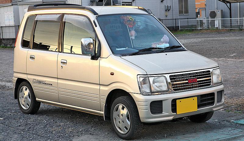 800px daihatsu move custom 001
