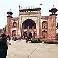 Darwa-I-Rauza Taj Mahal Agra.jpg