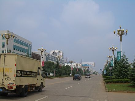 In the main urban area of Daye, a county-level city within the prefecture-level city of Huangshi, Hubei. Daye also includes some separate towns, such as Dajipu (大箕铺)