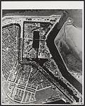De marinehaven van Den Helder met de Rijkswerf.jpg