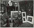 De schilder Hendrik Maarten Krabbé in zijn atelier, gefotografeerd door Sigmund Löw in 1903 - 2.jpg