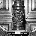 Detail middenzuil schepenstoel - Kampen - 20121959 - RCE.jpg