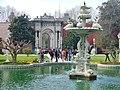 Dolmabahçe Sarayı, Dolmabahçe-Palast, Palast der vollen Gärten - panoramio (1).jpg