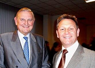 François-Xavier de Donnea - Image: Dr. François Xavier de Donnea (left) with Commercial Diplomat Colin Evans (right)