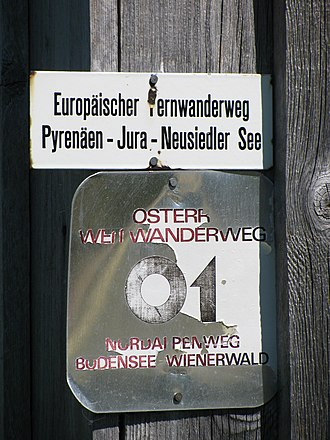 E4 European long distance path - Trail labels of the 'E4' and the 'Österreichischer Weitwanderweg 01' near Fontanella, Austria