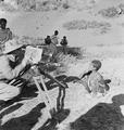 ETH-BIB-Abessinischer Knabe wird fotografiert-Abessinienflug 1934-LBS MH02-22-0310.tif