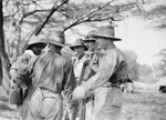 ETH-BIB-Gruppe Männer vor der Jagd-Kilimanjaroflug 1929-30-LBS MH02-07-0308.tif