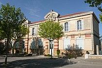 Ecole à Charleval (Bouches-du-Rhône).JPG