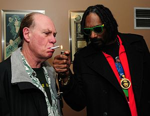 Snoop lights a joint for Ed Rosenthal