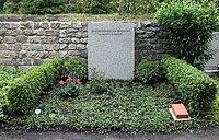 Ehrengrab Hüttenweg 47 (Dahl) Richard von Weizsäcker.jpg
