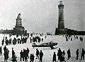 Eislandung im Hafenbecken von Lindau während der Seegfrörne 1963.jpg