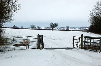 English: Entrance to Pike Hall Farm in the snow
