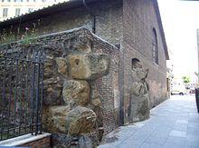 Resti delle Mura serviane inglobati all'interno dell'Auditorium in Largo Leopardi