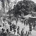 Fêtes du Nam-giao en 1942 (5). Arrivée du palanquin où se trouve S.M. Bảo-đại.jpg