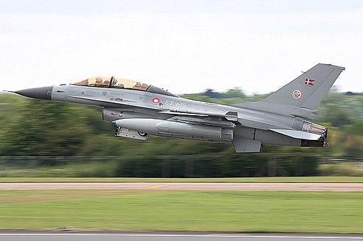 F16 - RIAT 2008 (3183643165)