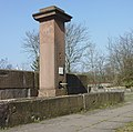 FFM Sachsenhausen Riedhof-Brunnen 1.jpg