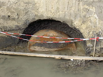 Federal Monuments Office - Early medieval oven, uncovered during excavations in Gaweinstal by the Bundesdenkmalamt.