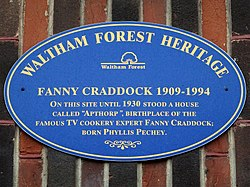 Photo of Apthorp and Fanny Craddock blue plaque