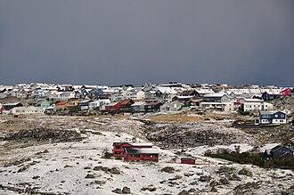 Hoyvík - View north from the Eystari Ringvegur over the Hoydalar area towards the Ovastu Hoydalar neighbourhood