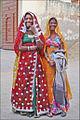 Femmes rajpoutes (Mandawa, Rajasthan) (8433062373).jpg