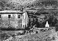 Font de Joan i part d'una masia de Ridaura.jpeg