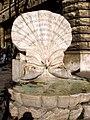 Fontana delle Api piazza Barberini.jpg