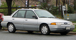 Ford Escort LX berlina