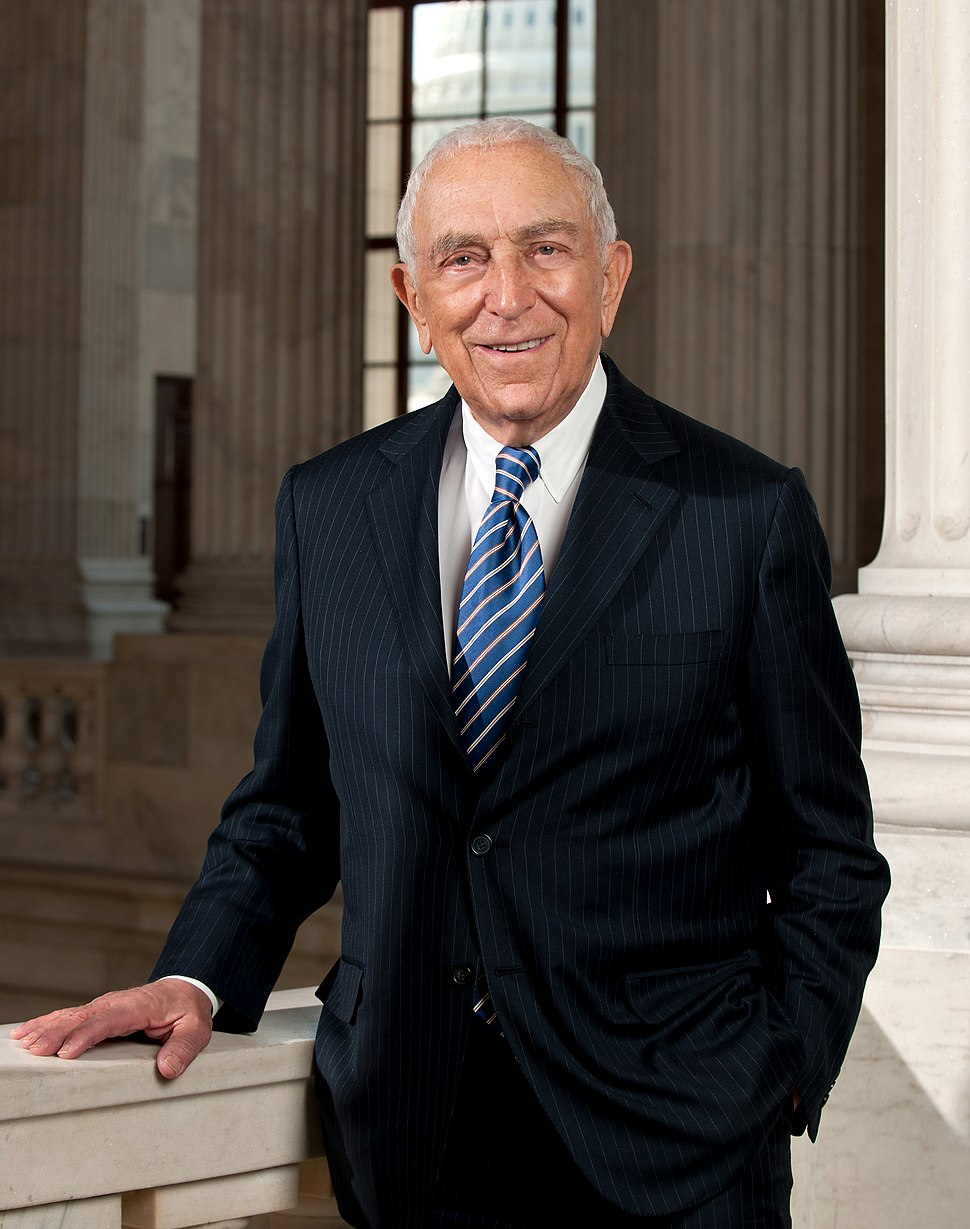 Frank Lautenberg, official portrait, 112th portrait.jpg