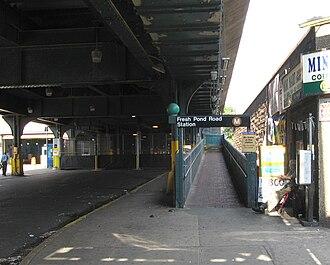 Fresh Pond Road (BMT Myrtle Avenue Line) - Old entrance ramp