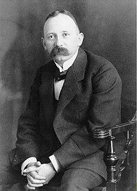 Fritz Hofmann ca1909 Bayer.jpg