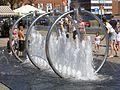Gdansk skwer Heweliusza fontanna 1.jpg