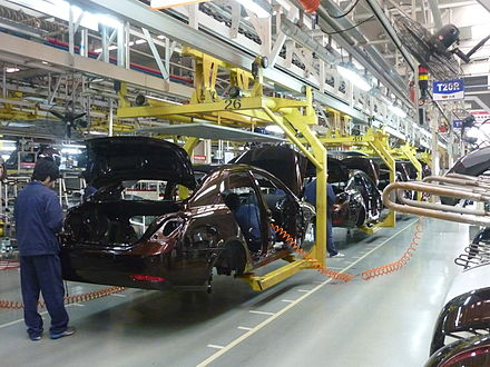 Car manufacturing in China Geely assembly line in Beilun, Ningbo.JPG