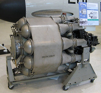 General Electric I-A - The production General Electric J31. The rear of the engine is at left of the picture.