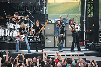 Ratt - Image: Glam metal band Ratt