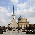 Gnadenkapelle und St. Magdalena.JPG