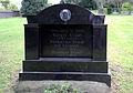 Grabmal Draaf, aufgelassener Friedhof Hermülheim.jpg