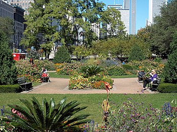 English: Garden south of Congress Parkway near...