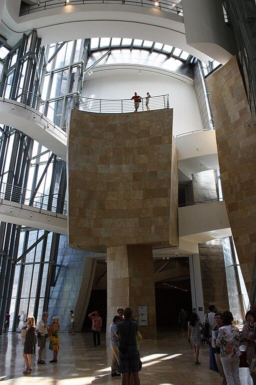 File Guggenheim Museum Interior Bilbao July 2010 04 Jpg Wikimedia Commons