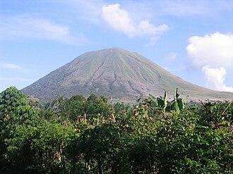 North Sulawesi - Image: Gunung Lokon
