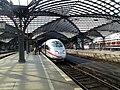 Hauptbahnhof Köln Germany - panoramio (1).jpg