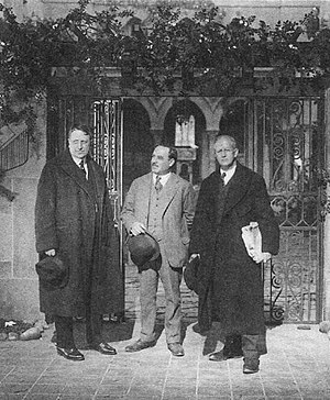 William Randolph Hearst - From left to right: Hearst, Robert Vignola and Arthur Brisbane in New York, during the filming of Vignola's The World and His Wife (1920)