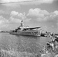 Het Nederlandse fregat Hr.Ms. Van Speijk in de haven van Caracas in Venezuela, Bestanddeelnr 252-8494.jpg