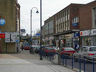 Strood - Image: High Street, Strood (3) geograph.org.uk 714438