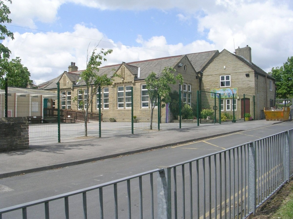Hill Top Church of England Primary School - Common Road - geograph.org.uk - 1355126.jpg
