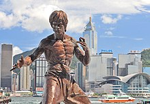 Statue of Bruce Lee in a fighting pose