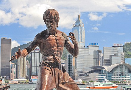 Bruce Lee fostered the popularity of martial arts cinema Hong kong bruce lee statue.jpg