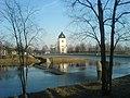 Husby kyrka och Dalälven.jpg