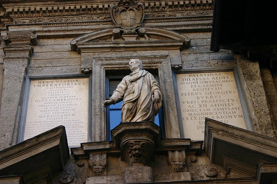 IMG 3148 Giovan Pietro Lasagna, Monumento a Decimo Magno Ausonio - Milano, Scuole palatine - Foto G. Dall'Orto, 3-gen-2006