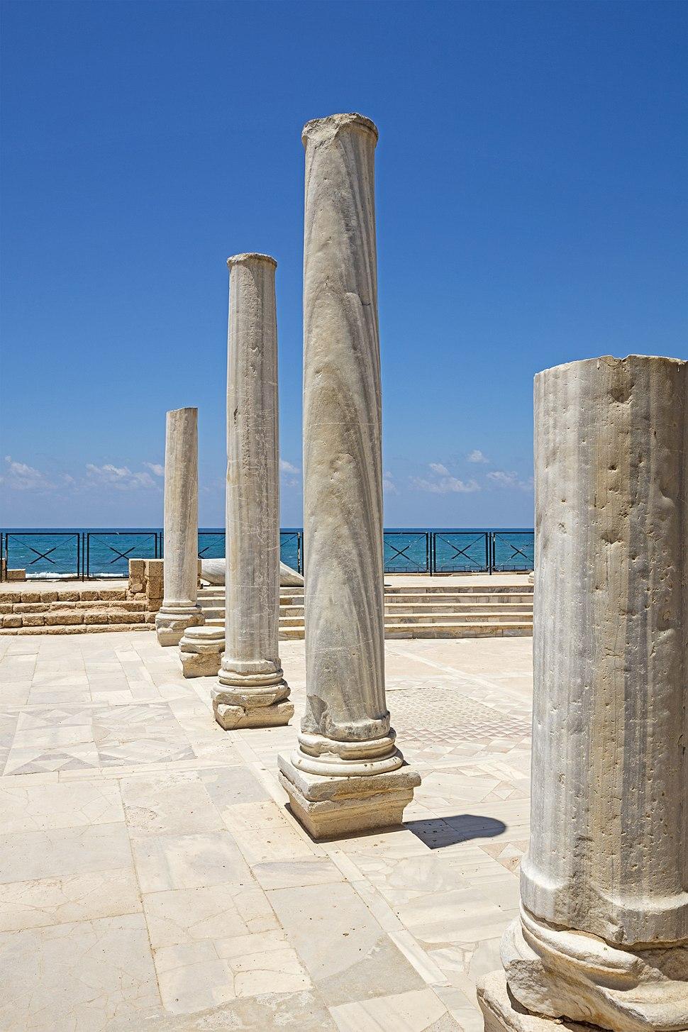 ISR-2016-Caesarea-Caesarea Maritima-Columns