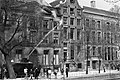 In Amsterdam zijn ongeveer dertig panden gekraakt o.a. pand bezet op Herengrach, Bestanddeelnr 923-5000.jpg